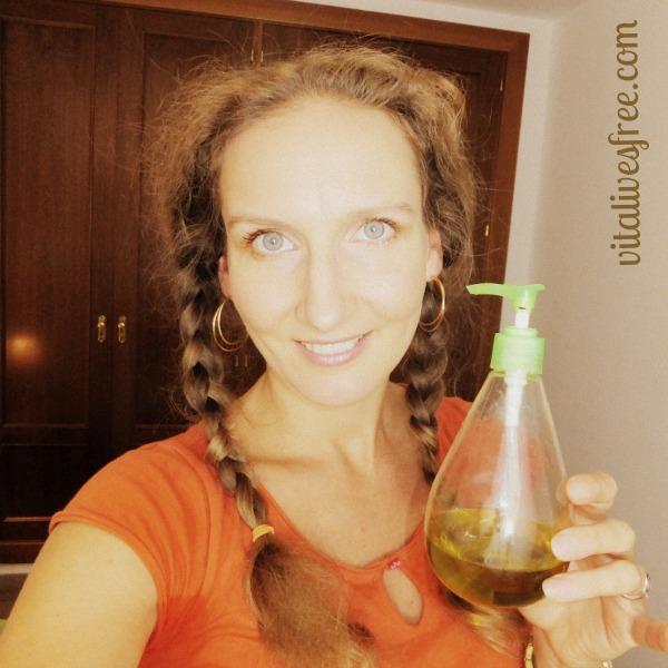 I love Oil Cleansing Method (OCM) - Bye-Bye Acne, Hello Radiant Skin