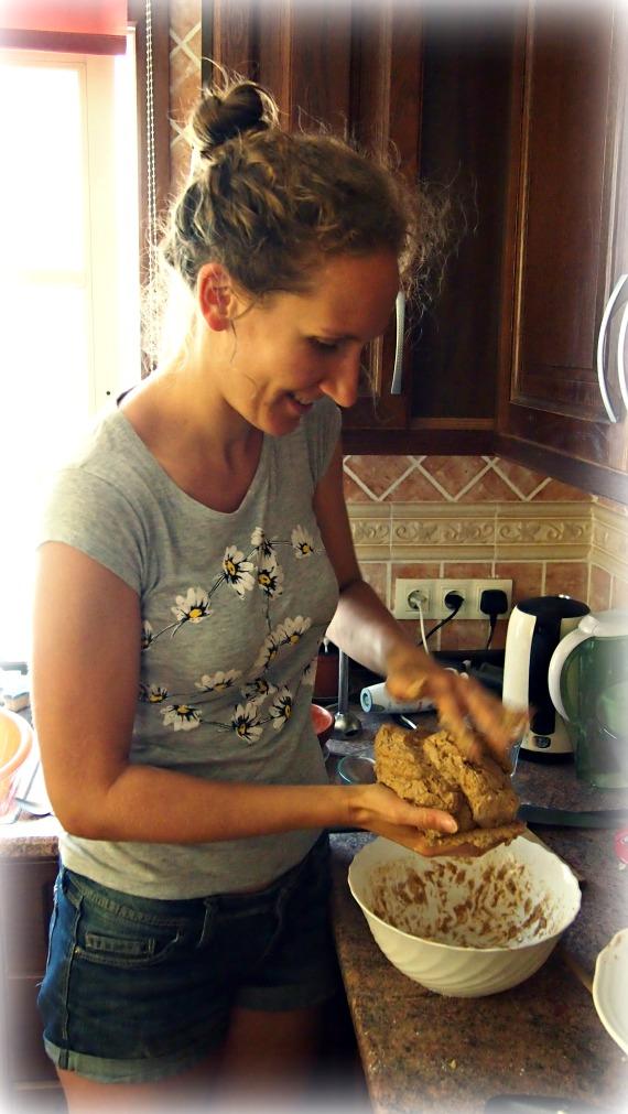 Making rye sourdough bread